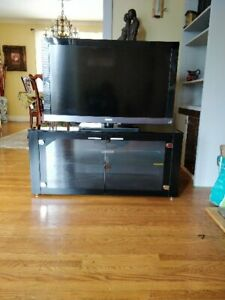 """Sony Bravia 40"""" TV and TV Stand"""