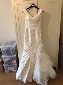 Size 10/12 Ian Stuart Buenos Aires designer wedding dress