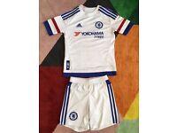 Boys Chelsea away strip size 7-8 yrs