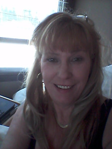 Mature Employed female seeks room for rent