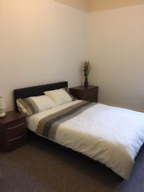 ABBEY ROAD - Double + Single rooms in townhouse
