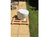 Euro Trio back to wall pan & thermoset soft close seat