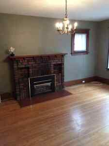 Hill street 1 Bedroom Apartment Must see for young professionals London Ontario image 4