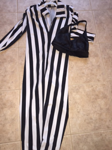 Beetlejuice Costume - Size 9-11/Small adult