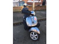 Vespa GT 125 FOR SALE £800 (or nearest offer)