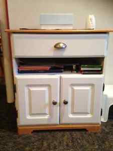 meuble micro onde buy sell items tickets or tech in gatineau kijiji classifieds. Black Bedroom Furniture Sets. Home Design Ideas