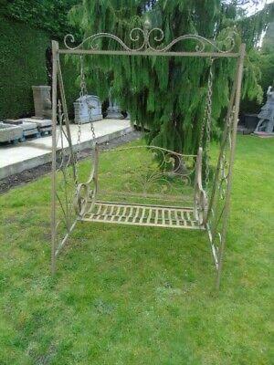 banc de jardin ou balancelle en fer forgé pat brun vert , superbe !