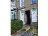 Huddersfield, Birkby, 2 bedroom furnished town house to let