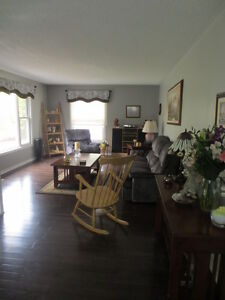 Lovely Home on Almost 3 Acres!! Peterborough Peterborough Area image 3