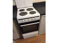 """AMICA freestanding electric oven & hob - """"landlord's special"""" practically brand new"""