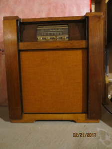 Old Spartan Floor Model Radio
