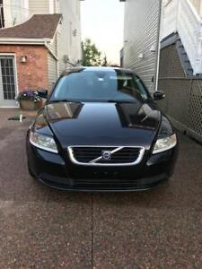 URGENT SALE: 2008 Volvo S40 2.4i Front WD Automatic 130,500km