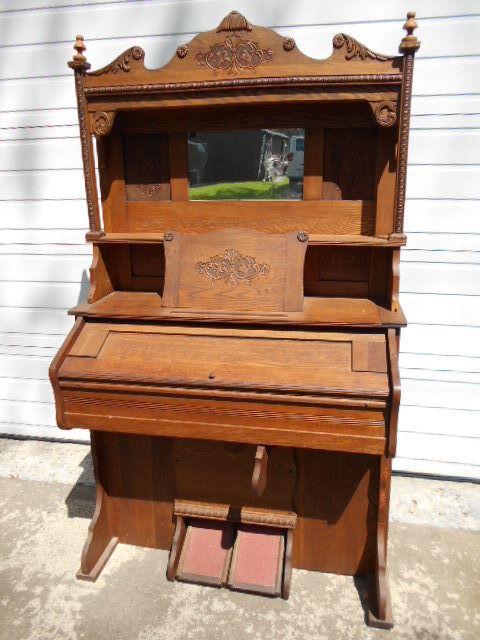 Antique Victorian Staunton Oak Pump Organ w/Pressed Carvings
