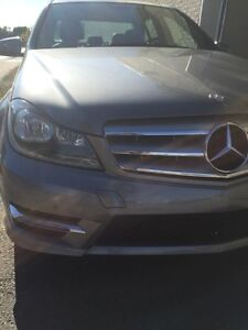 2013 Mercedes Benz C300 4matic Sport Package-AWD-IMPÉCABLE!