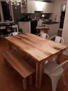 **SUPER PROMO** TABLE EN BOIS MASSIF - BANC DE CUISINE GRATUIT