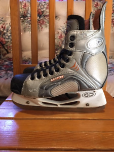 MEN'S SIZE 6 SKATES - 2 pair available - See pictures & pricing.