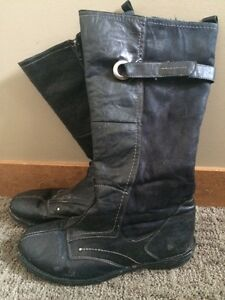 Women's Black Suede / Leather Winter Boots