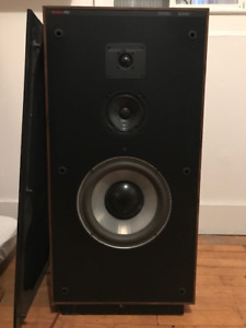 Boston Acoustics A150 Vintage 3-Way Stereo Speakers