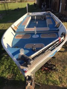 Edson Backtroller 16' boat & 40Hp Motor