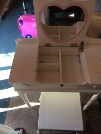 Girls small dressing table