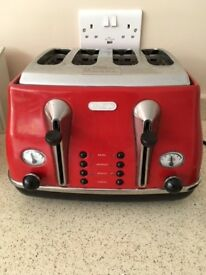 Red 4 slice Toaster Delonghi reduced to £10