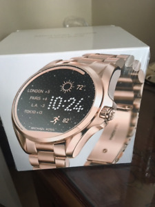 caa16ccaaf4d WOW WHAT A DEAL FOR A BNIB MK SMARTWATCH(MUST PICK UP)
