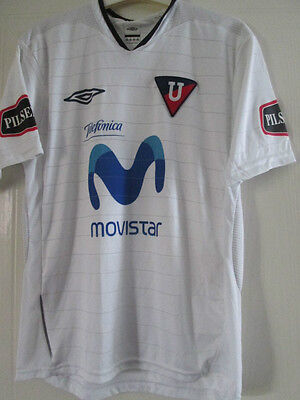 2005-2006 LDU Quito Home Football Shirt Size 10 years/39119 Ecuador image