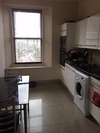 Large 2 bedroom top floor maisonette flat for rent 10 mins from the Carnegie leisure centre