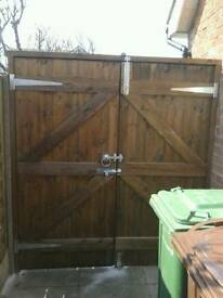 DOUBLE GATES (NEW)