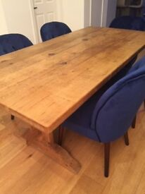 Stunning 6ft solid oak dining room table