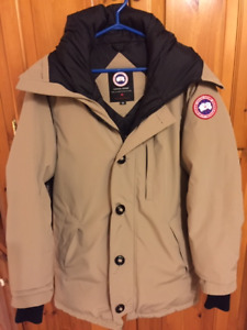Canada Goose Jacket - Men's Medium