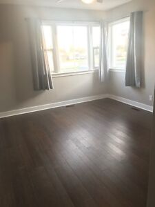 2 BEDROOM MAIN FLOOR APARTMENT FOR RENT - AVAILABLE JUNE 1st