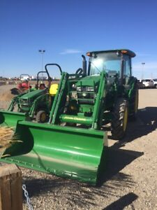 JOHN DEERE 100HP TRACTOR NEW WITH LOADER CLEARANCE SALE