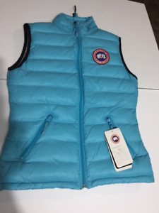100% authentic Canada Goose Camp vest womens Small NWT