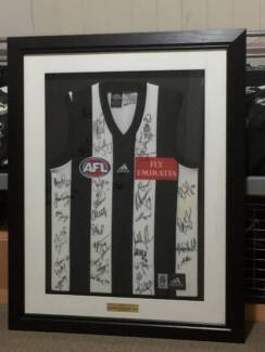 Collingwood FC - Season 2001 - Jumper signed by all players Maylands Bayswater Area Preview