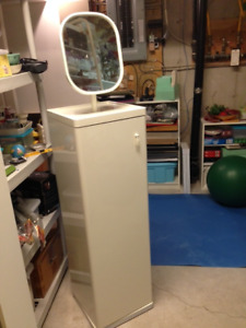 Dressing table with mirror - Ikea Vinstra