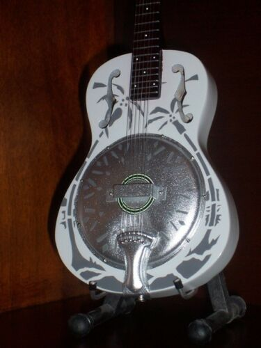 Mini Resonator Guitar  DIRE STRAITS MARK KNOPFLER Memorabilia FREE STAND Art