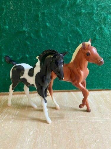 "Breyer Classic ""Fun Foals Gift Set"" #674 Pinto Arabian and Palomino Andalusion"