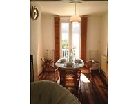 SB Lets are delighted to offer this luxury 2 bedroom holiday let in Kemp Town, Brighton in a prime.
