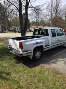 1998 GMC Sierra Pickup Truck