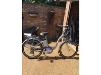 Cyclamatic GTE step through electric silver bike & Charger. Helmet and chain also included