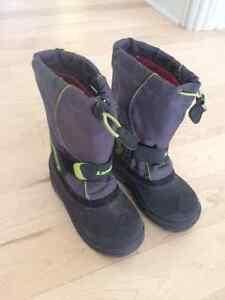 Sandale Crocs HelloKitty,souliers, bottes pluie, Siège neuf, etc West Island Greater Montréal image 6
