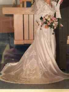 Immaculate wedding dress only one owner Cambridge Kitchener Area image 1