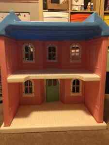 "WOW! Vintage Little Tikes ""My Size"" Doll House"