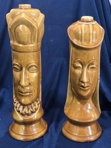 PAIR OF 1960S OLD CROW CHESS PIECE DECANTERS UNMARKED KING AND QUEEN