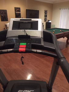 Epic View 550 Treadmill - TV screen and ipod hook up