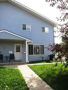 #1471 - 3 Bedroom W/ 1.5  Baths, Downtown $1250 Avail. NOW