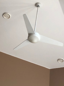 Reversible Ceiling Fan with Light