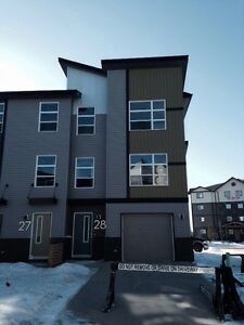3 Bedroom Duplex For Rent - Northridge St. Albert