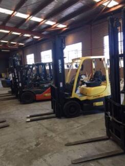 Forklifts from 1.5 T, all types of lift heights, all major brands